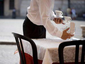 fnd_restaurant-waiter-istock.jpg.rend.snigalleryslide