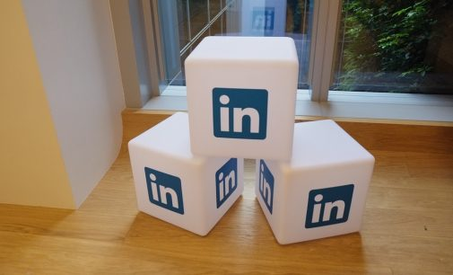 Salesforce calls for EU probe into Microsoft's €23 billion bid for LinkedIn